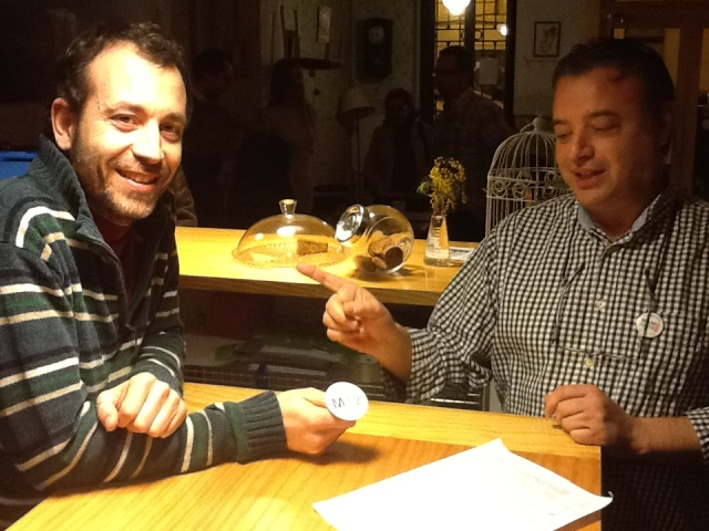 Emilio Verdú entrega a David una chapa M2012